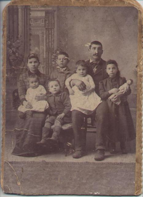 Daniel Manis Family of Boyds Creek circa 1870